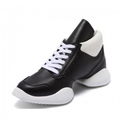 DL00040   Dance Sneakers